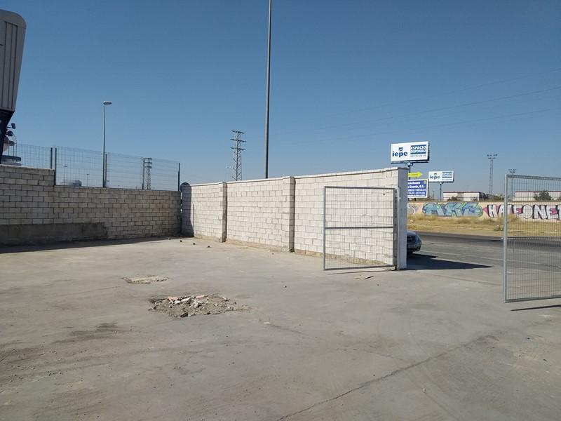 Demolición nave industrial Sevilla Assista