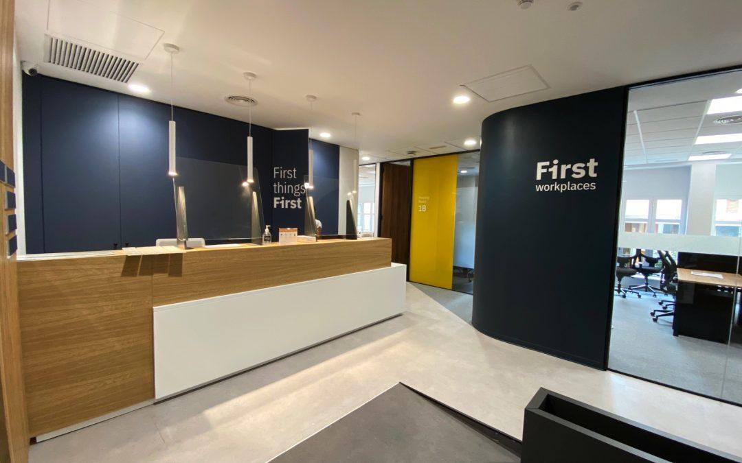 Instalación de oficinas First Workplaces