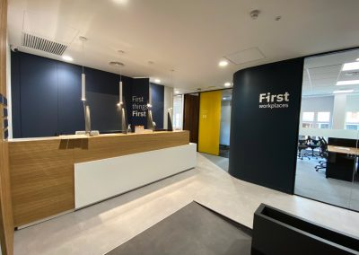 Instalación de oficinas First Workplaces