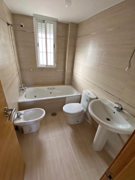 Baño adecuación vivienda Ogíjares 1