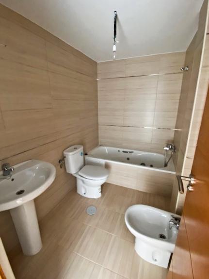 Baño adecuación vivienda Ogíjares